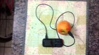 Carregando celular com frutas,,, MITO ou VERDADE?!?!