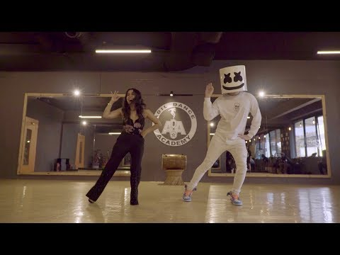 Marshmello & Neha Kakkar do the Biba Dance together in Mumbai  BIBADance