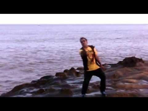 Yo Yo Honey Money Singh Dance On Hai Mera Dil At Beach video