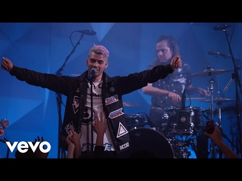 DNCE - Cake By The Ocean (Vevo LIFT)