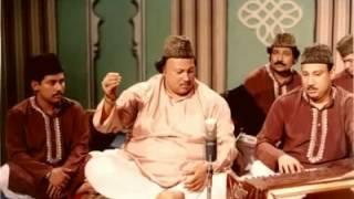 Aey Wada Shikan khawab dikhana he nahi tha by Nusrat