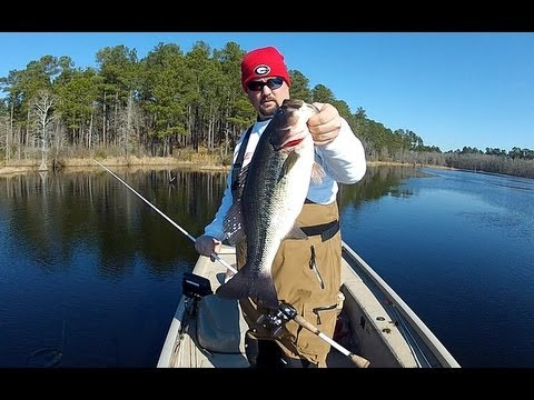Bass fishing with jigs in cold water youtube for Cold water bass fishing