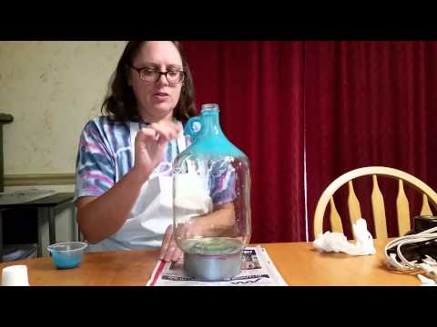 Painting my floral glass jug lamp, part 1
