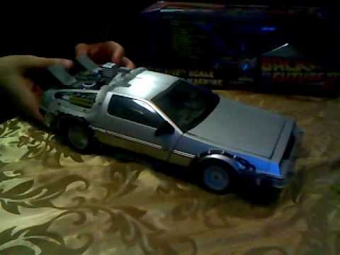 Back to the Future DeLorean Review: Diamond Select's 1/15th Mark I Time Machine