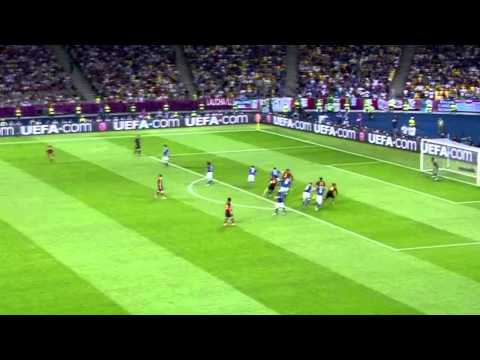 Xavi Vs Italy - Final - Euro 2012 - HD - By Pep
