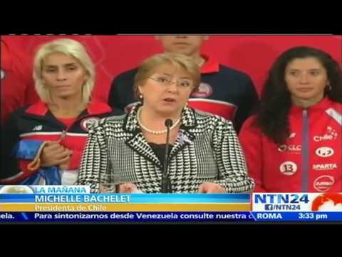 Michelle Bachelet entrega bandera chilena a delegación que representará al país en los JJ.OO. de Río