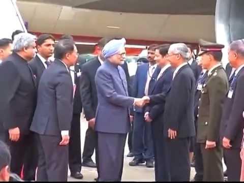 PM Manmohan Singh arrives in Bangkok on two-day visit