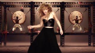 Shakira Dancing On Tu Kheech Meri Photo Hindi Song