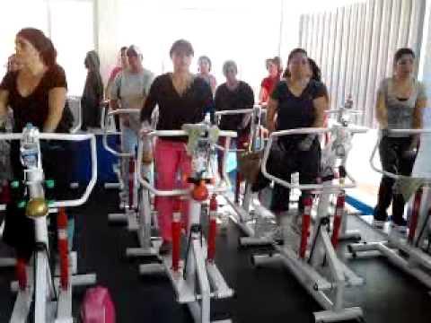 Javiz cardio en escaladora gym pegazzo youtube for Gimnasio 7 de fitness badalona