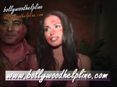 Pakistani Actress Veena Malik Celibrate Holi At B R Chopra Banglow
