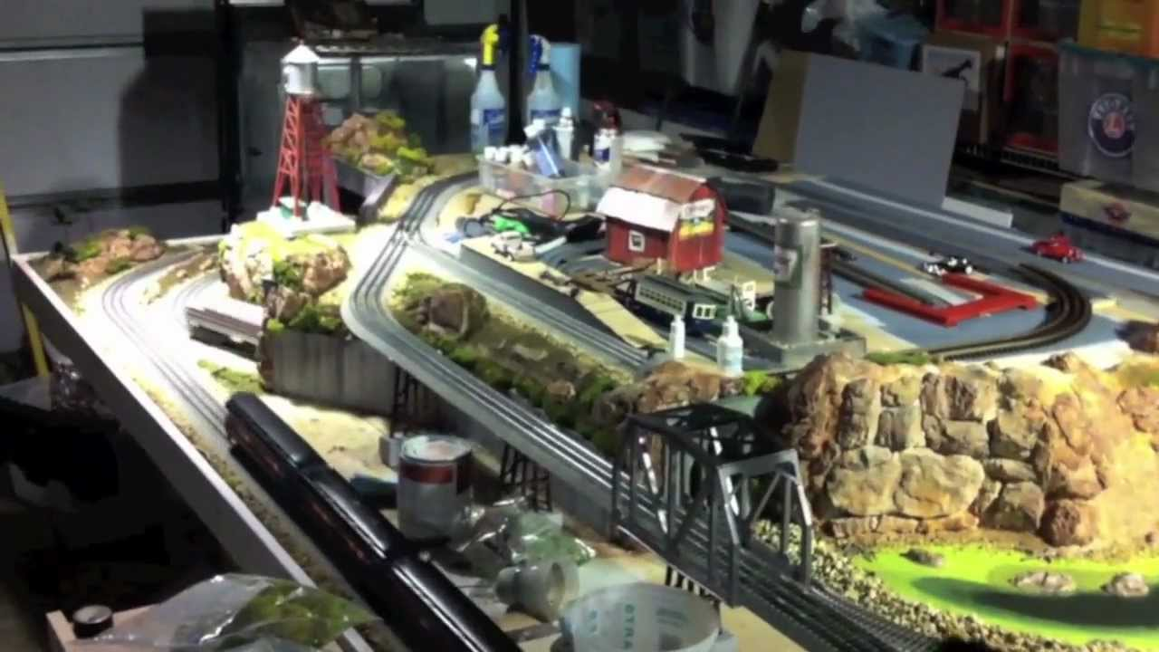 2012 Lionel Fastrack Layout Sneak Preview Youtube