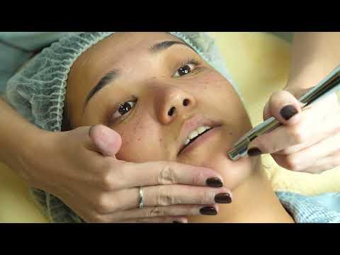 Косметология. Чистка и увлажнение лица