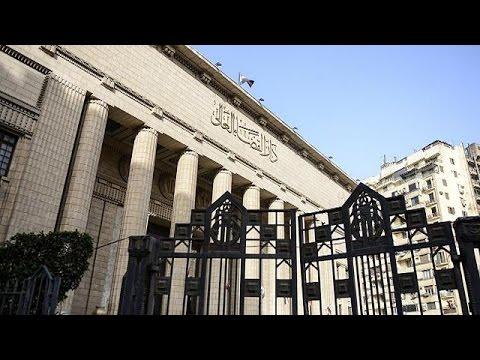 إعادة محاكمة صحفيي قناة الجزيرة المسجونين في مصر