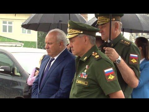 Министр обороны РФ С Шойгу и Глава Хакасии В Зимин посетили Познанскую бригаду ЖДВ в Абакане