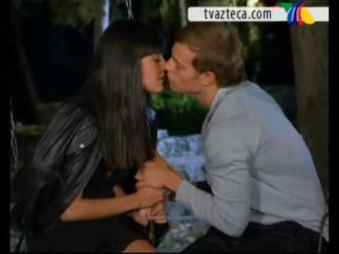 """Video musical con escenas de la mejor pareja juvenil """"Lucia y Alex"""" de la Telenovela """"Secretos del Alma"""""""