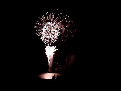 open legs to biloxi fireworks 0001