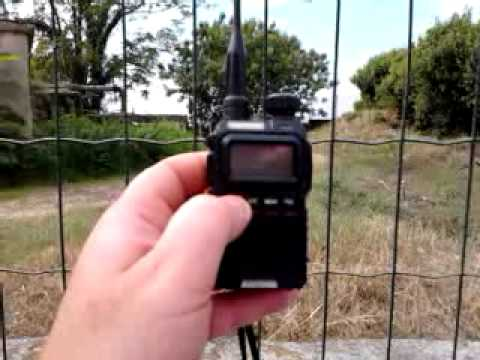 Baofeng UV-3R vs Yaesu vx-3 test under high noise