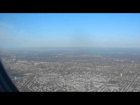 Approach & Landing #Queens New York City! Both #NYC airports are in Queens