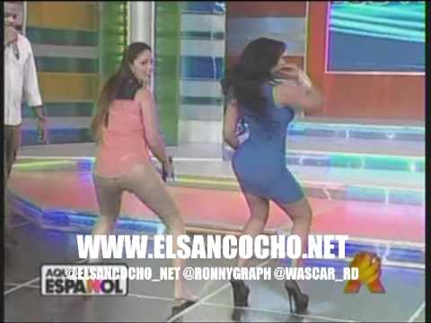 Paola la que controla y Ana Carmen bailando Ay de amara la negra en aqui se habla espaol