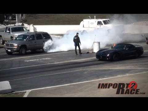 Dodge Viper vs SUV's Durango & Ramcharger