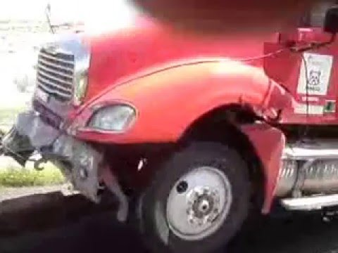 ACCIDENTE DE TRAILER, (CARAMBOLA) CAMINO A TORREON