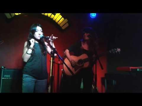 Thumbnail of video Boza - La mansión de los espejos (Contraclub)