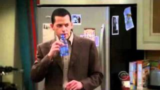 Two and a half men: Charlie borracho. (Sub en español) (2/3)