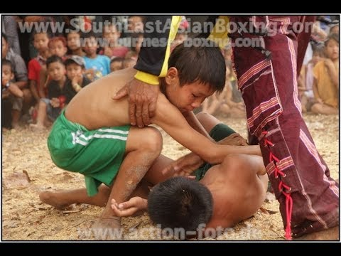 Lethwei Burmese Boxing [HD] - Kid's Fightevent near Hpa An (1) - Kayin State Myanmar - Thingyan 2013