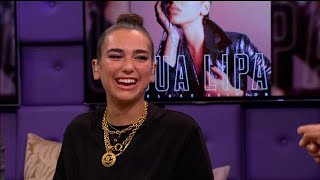 Download Lagu Dua Lipa over haar bijzondere optreden in Kosovo - RTL LATE NIGHT Gratis STAFABAND