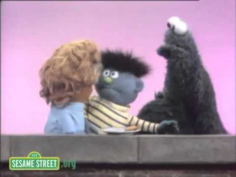 Sesame Street - Cookie For The Smallest Person