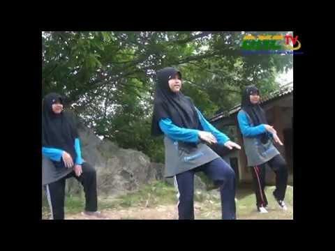 Unik & Lucu - Senam Pinguin (Official Video)