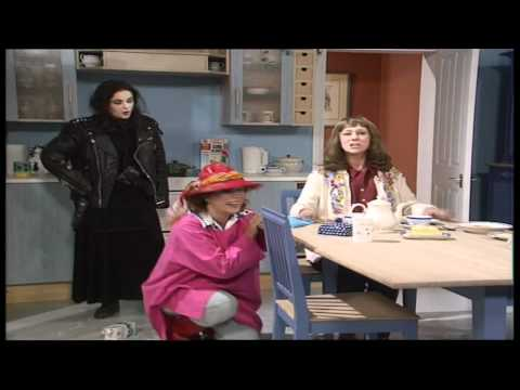 French And Saunders - Generation Gap Sketch feat Helen Mirren & Julia Sawalha (1996)