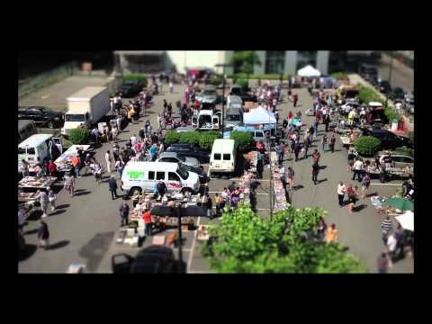 Time Lapse of MIT FLEA (electronic gear swapfest) in Cambridge, MA (2012) by Bill T Miller
