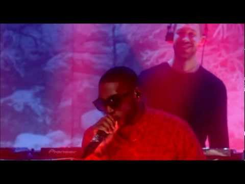 Calvin Harris feat. Tinie Tempah - Drinking from the Bottle (Live New Year&#039;s Eve Top of the Pops)