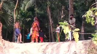 জিগ্রি বন্ধুর   বিয়ে তে বড় আপারা  vs আমরা  কাদা + রং নিয়ে লরাই  কে জিতবে