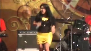 SERA YUNI AYUNDA~NENEKKU PAHLAWANKU LIVE CARUBAN