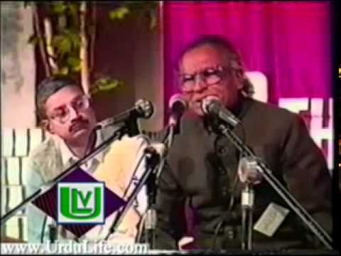 Khumar Barabankvi Recits His Poetry [mehfil E Mushaira] video