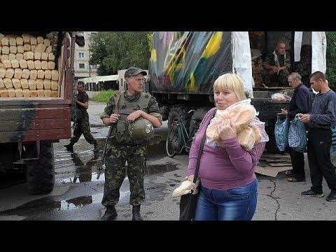 Ukraine : Slaviansk panse ses plaies, visite éclair de Porochenko