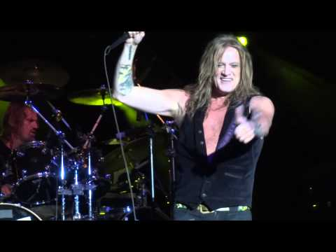 In A Darkened Room - Sebastian Bach LIVE 08-12-2014