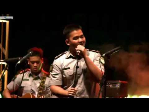 Menuju Senja - payung teduh (Live cover)