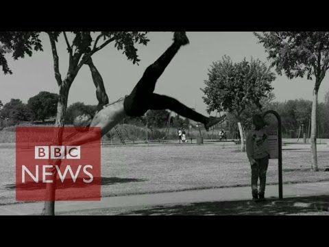 Street workout to get South African children fit - BBC News