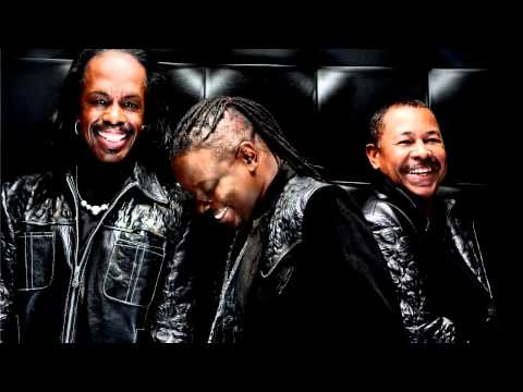 Earth Wind&Fire - Fantasy(Plugged In And Live)