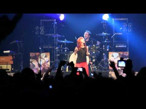 Download Lagu Paramore @ FBR15-