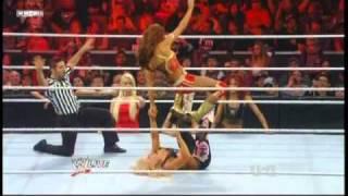 Eve Torres vs Natalya - Divas Championship