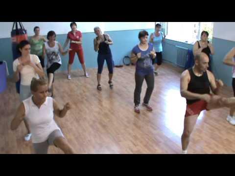 Aerobic Cu Razvan Marasescu- Exerciti Din Picioare Partea 4 video