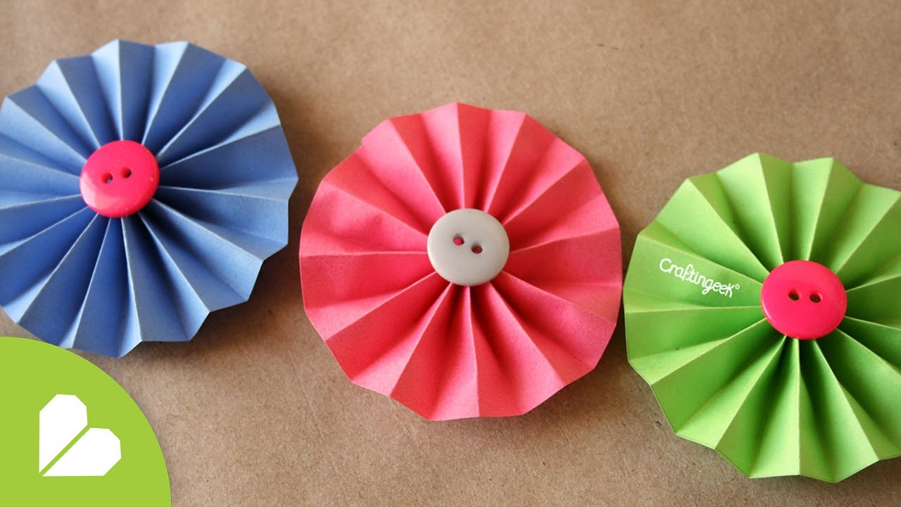 Mostrar paso a paso como se hacen flores con papel afiche - Como se hacen flores de papel ...