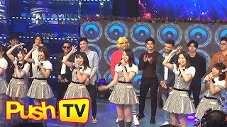 """Push TV: J-pop group AKB48 performs on """"It's Showtime"""""""