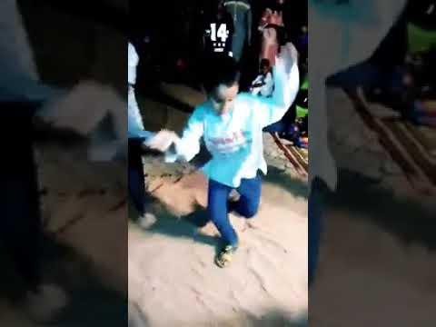 طفل موريتاني يرقص رقص سينغالي روعه ✌☺ 2018 thumbnail