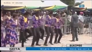 AIC BARAKA KWAYA WAKIWA NA RAIS DR JOHN POMBE