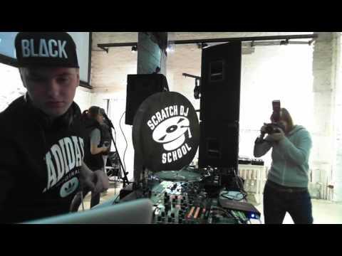 R_sound | Scratch Dj - battle  | Vinyl Acryl -  Live Art